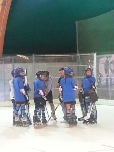 Hockey Abbate spiega le tattiche ai Piranha