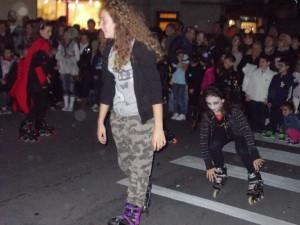 Festa Halloweeen sui pattini a Porcari 2013 Zombi