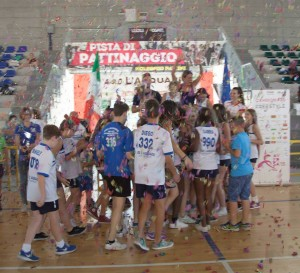 Aversa2015- Acquario pattinaggio Festeggia Vittoria